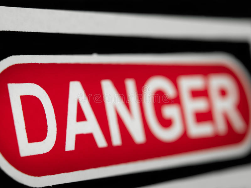 знак опасности стоковое фото