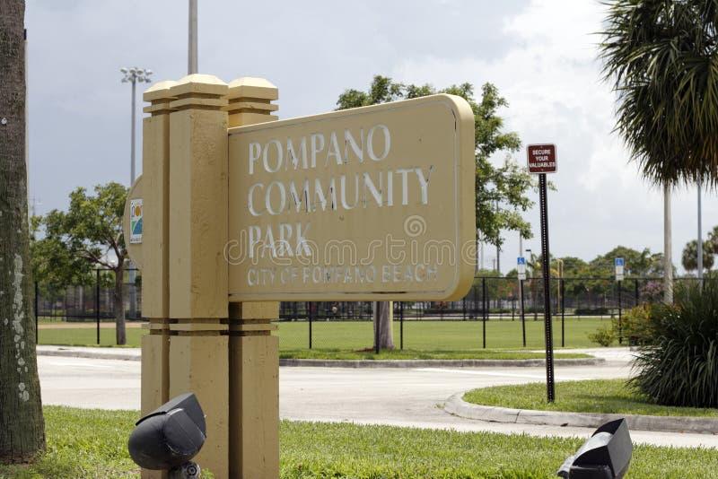 Знак парка общины Pompano стоковые фото