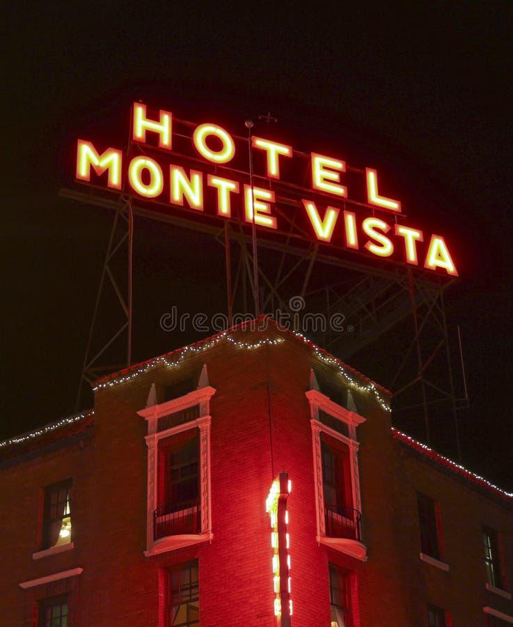 Знак перспективы Monte гостиницы на ноче стоковое фото rf