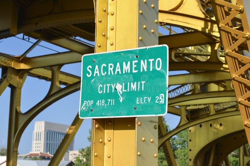 Знак предела города Сакраменто стоковое изображение rf