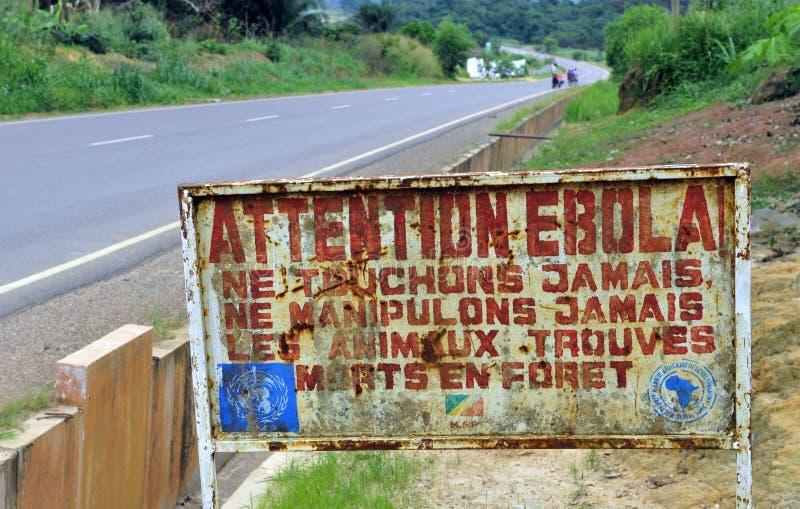 Знак предупреждает что посетители что зона Ebola заразило стоковое фото