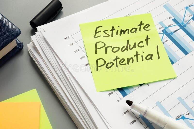 Знак продукта оценки потенциальный на бизнес-отчете аналитика стоковые изображения rf