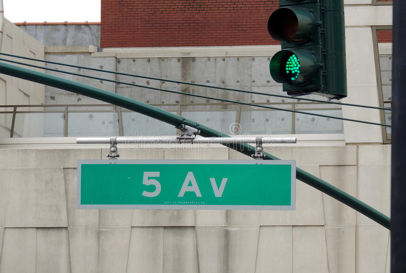 Знак Пятого авеню стоковое изображение rf