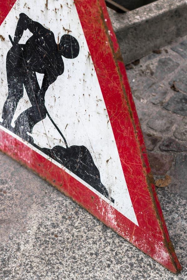 Знак работы в процессе стоковая фотография rf