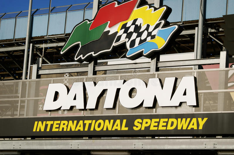 Знак скоростной дороги Daytona международный стоковое фото