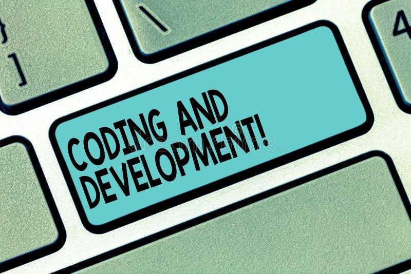 Знак текста показывая кодирвоание и развитие Схематическое фото для программирования или для создания программного обеспечения ил стоковое изображение rf