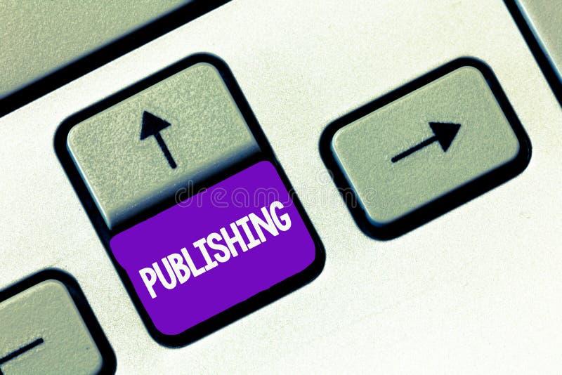 Знак текста показывая опубликовывать Схематическое фото подготавливая и выдавая книгу ведет дневник письменный материал для прода стоковое изображение