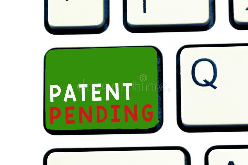 Знак текста показывая патент заявлен Предохранение от схематического запроса фото уже, который хранят но не пока предоставленные  стоковая фотография rf