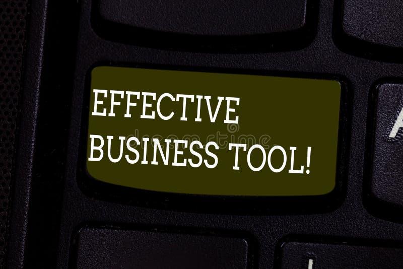 Знак текста показывая эффективный инструмент дела Схематическое фото используемое для того чтобы контролировать и улучшать клавиш стоковое изображение rf