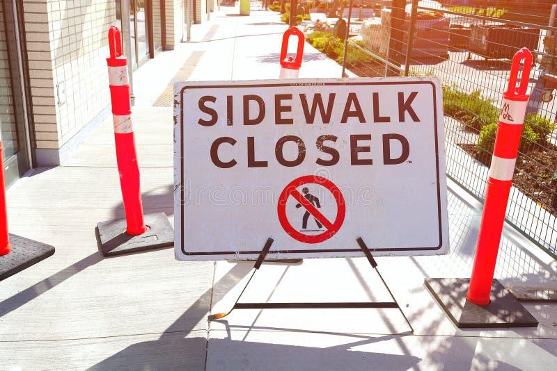 Знак тротуара закрытый стоковые фото