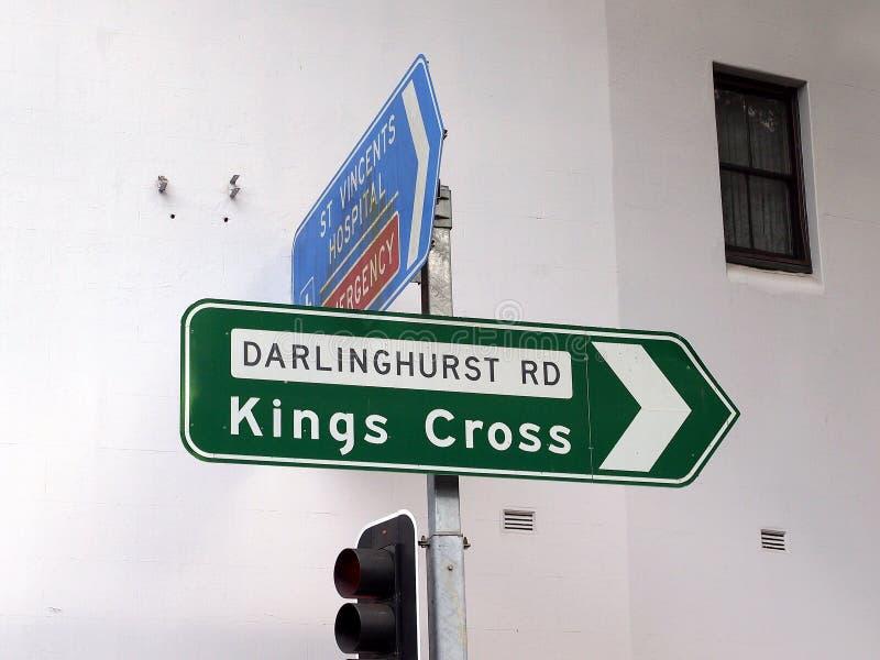 Знак улицы королей Креста, Сидней, NSW, Австралия стоковое фото