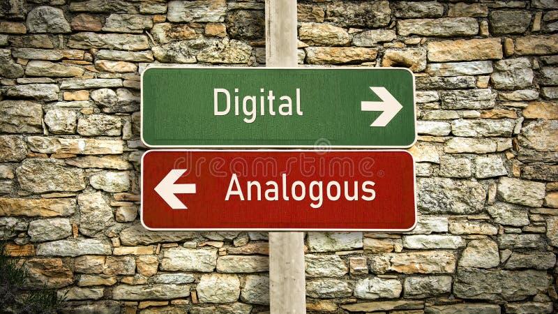 Знак улицы к цифров против аналогичного стоковое изображение rf