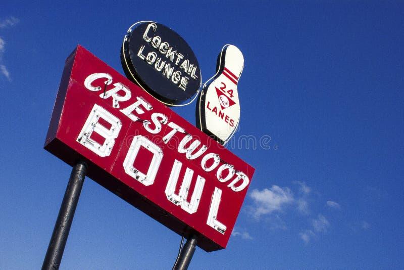 Знак шара Crestwood на трассе 66 Сент-Луис Миссури Соединенных Штатах стоковое фото rf