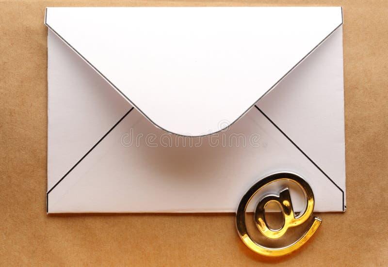 Знак электронной почты на конверте стоковое фото rf