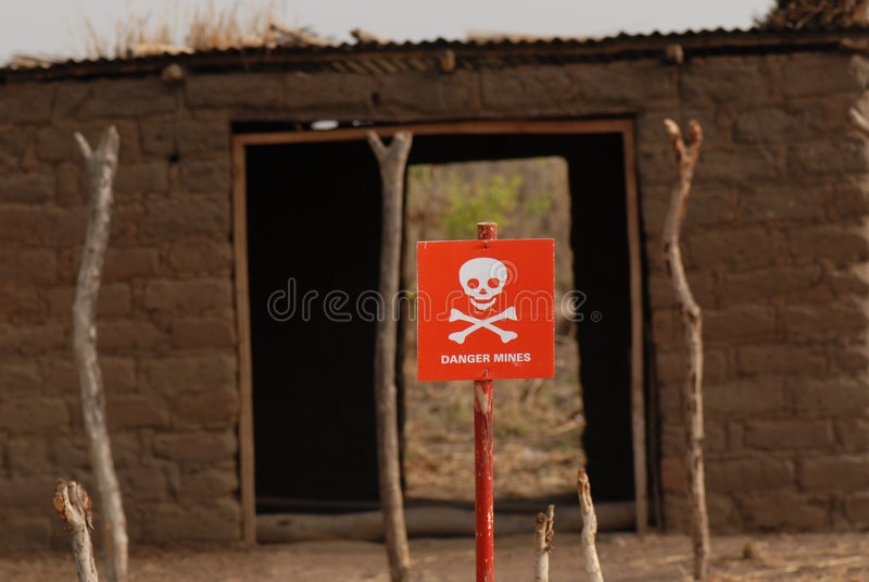 знак южный Судан шахты опасности стоковое фото rf