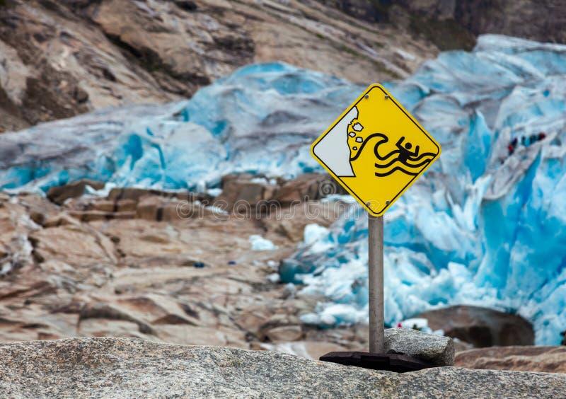 Знак Nigardsbreen Jostedal Норвегия опасности опасностей ледника стоковая фотография