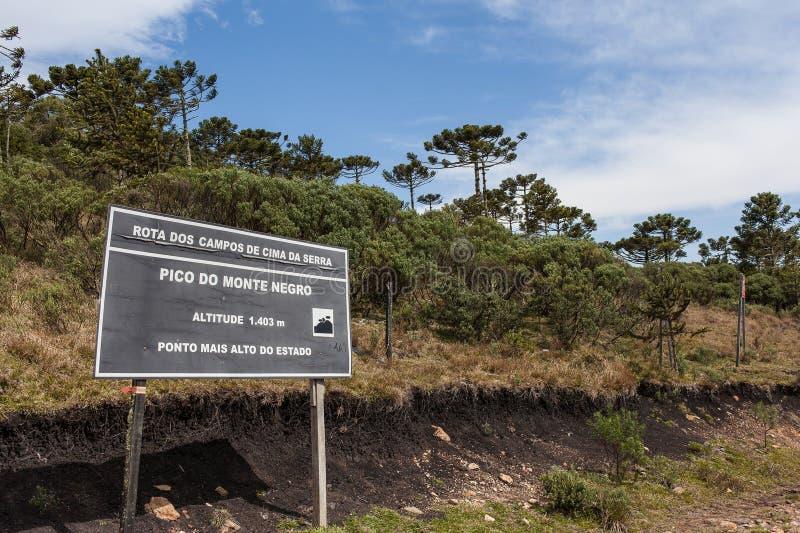 Знак Pico делает негра Monte, самой высокой горы в положении RS стоковая фотография rf