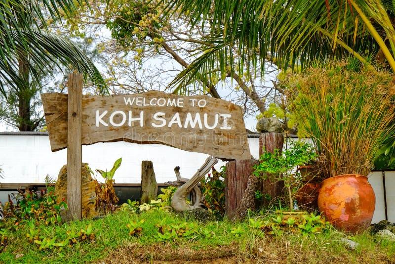 Знак Samui Koh деревянный стоковые изображения rf