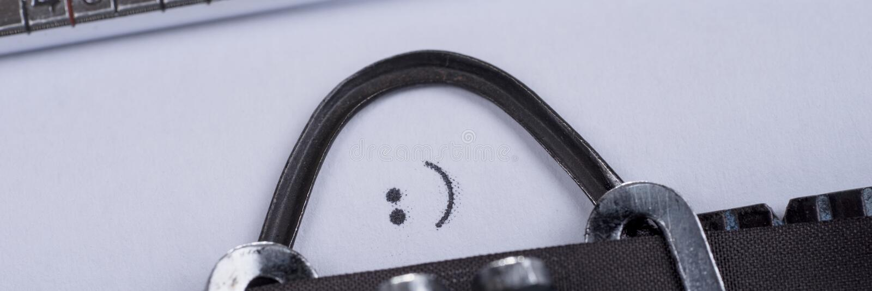 Знак Smiley написанный на старой машинке стоковое изображение rf