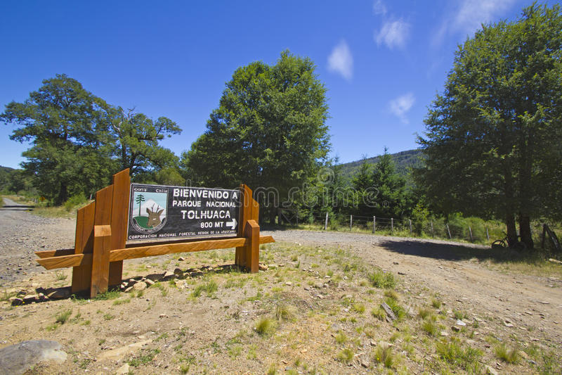 Знак Tolhuaca национального парка стоковое фото rf