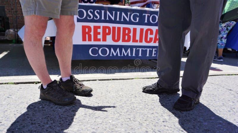 Знамя комитета Ossining республиканское с ногами стоковая фотография