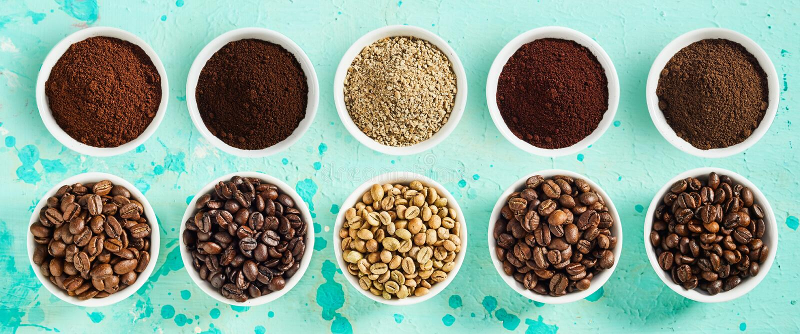 Знамя панорамы с сортированными разнообразиями кофе стоковая фотография rf
