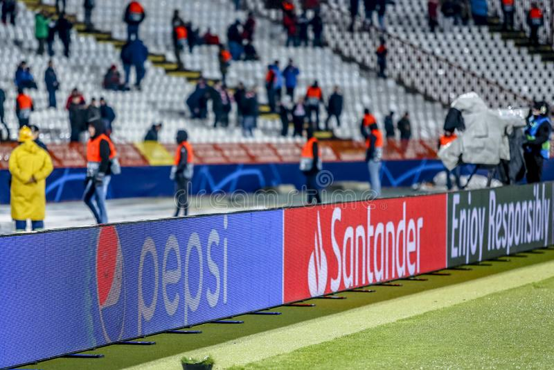 Знамя рекламодателя Пепси на матче лиги чемпионов UEFA стоковое изображение