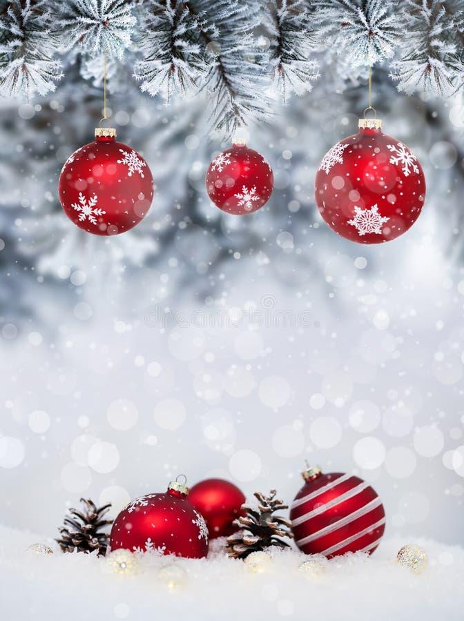 Знамя рождества с красными безделушками стоковая фотография