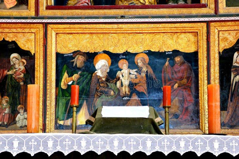 Значки внутри укрепленной средневековой церков Biertan, Трансильвании стоковая фотография rf