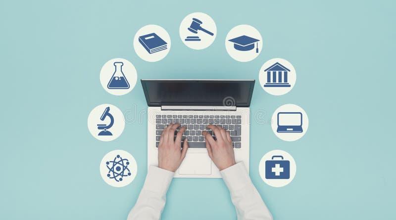 Значки обучения по Интернетуу и образования стоковое изображение