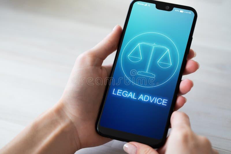 Значки юридического совета на экране мобильного телефона Поверенный в суде, консультация, supprot r стоковые фотографии rf