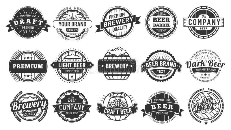 Значок винзавода Эмблема бочонка разливного пива, ретро значки круга и набор вектора печатей логотипа хипстера качественных эмбле иллюстрация вектора