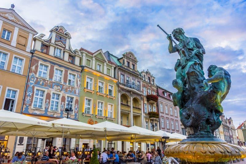 Зодчество старого рынка в Poznan, Польше стоковая фотография rf