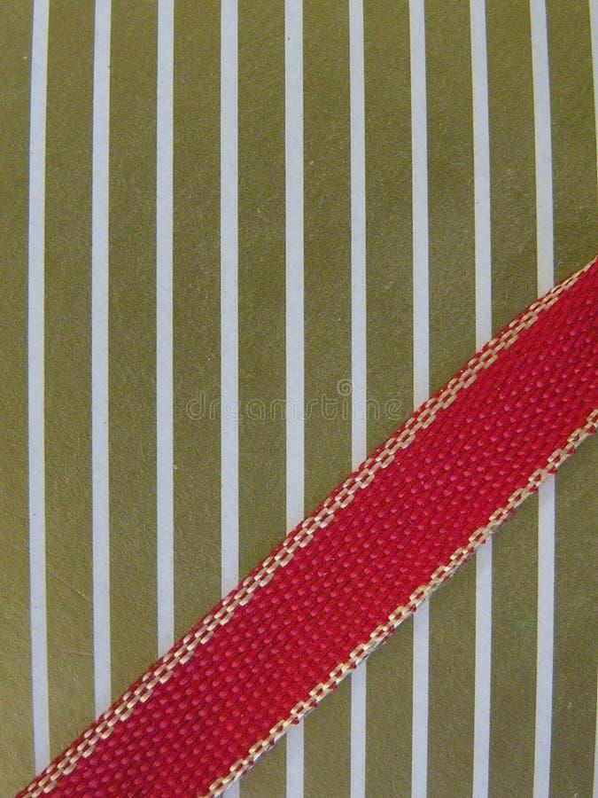 золотистая бумажная тесемка стоковое изображение rf
