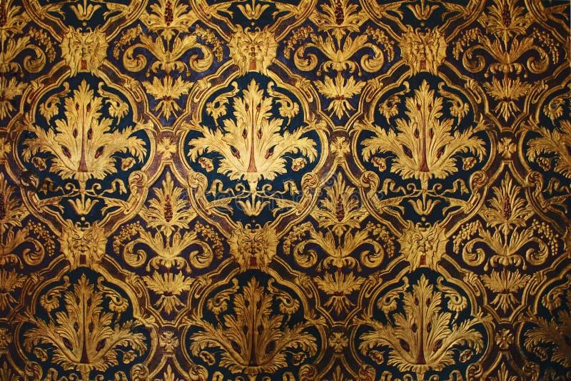 золотистые викторианские обои стоковая фотография rf