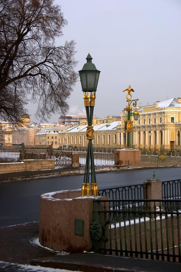 золотистые фонарики стоковое изображение