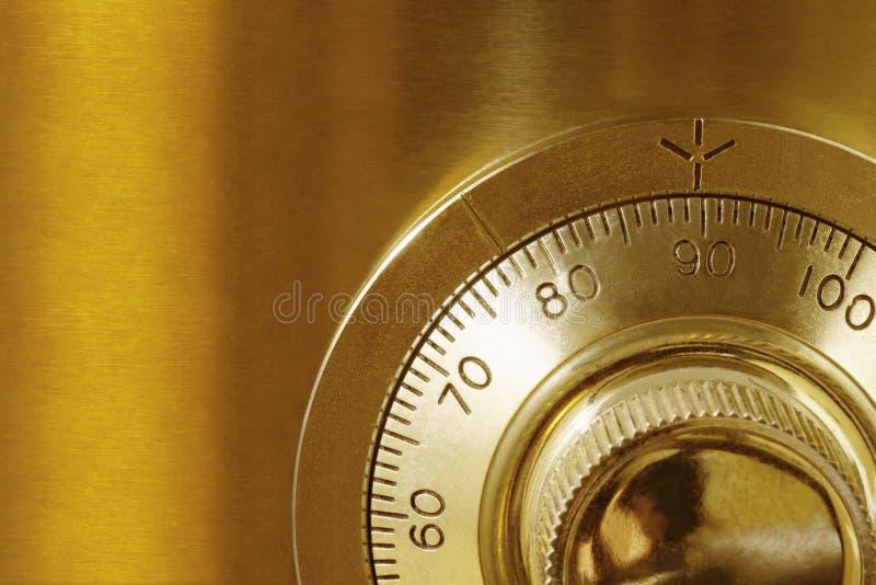 золотистый сейф замка стоковая фотография