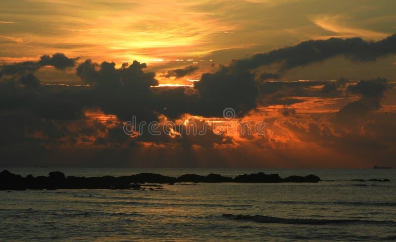 Золотое Рэй восходящего солнца стоковое фото