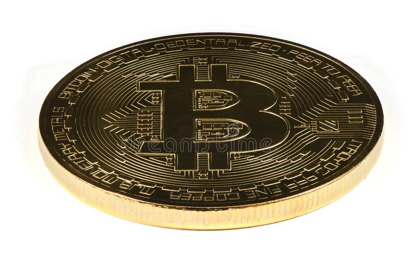 Золотое Bitcoin изолированное на белой предпосылке Путь клиппирования стоковые изображения