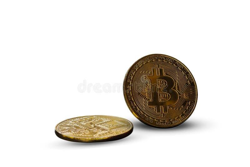 Золотое bitcoin на белой предпосылке стоковые изображения