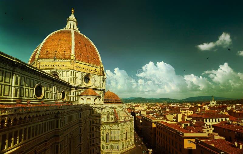 Золотой сентябрь в Италии, взгляд Флоренса осени стоковая фотография rf