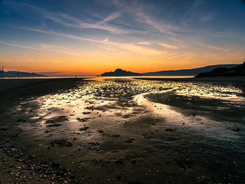 Золотой час на Ria de Понтеведре, Испании стоковое фото rf
