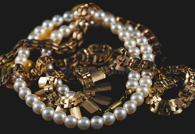Золото и жемчуга стоковая фотография
