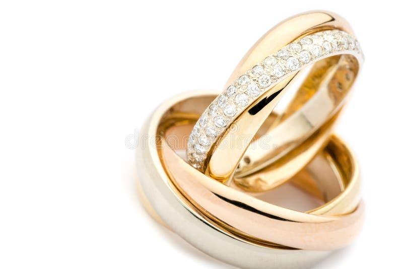 Золотые обручальные кольца, взгляд крупного плана стоковая фотография rf