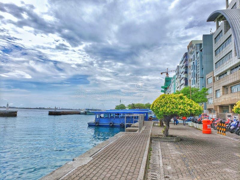 Зона парома в мужчине, Мальдивах стоковые изображения rf
