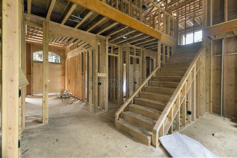 Зона фойе новой домашней конструкции обрамляя стоковые фотографии rf