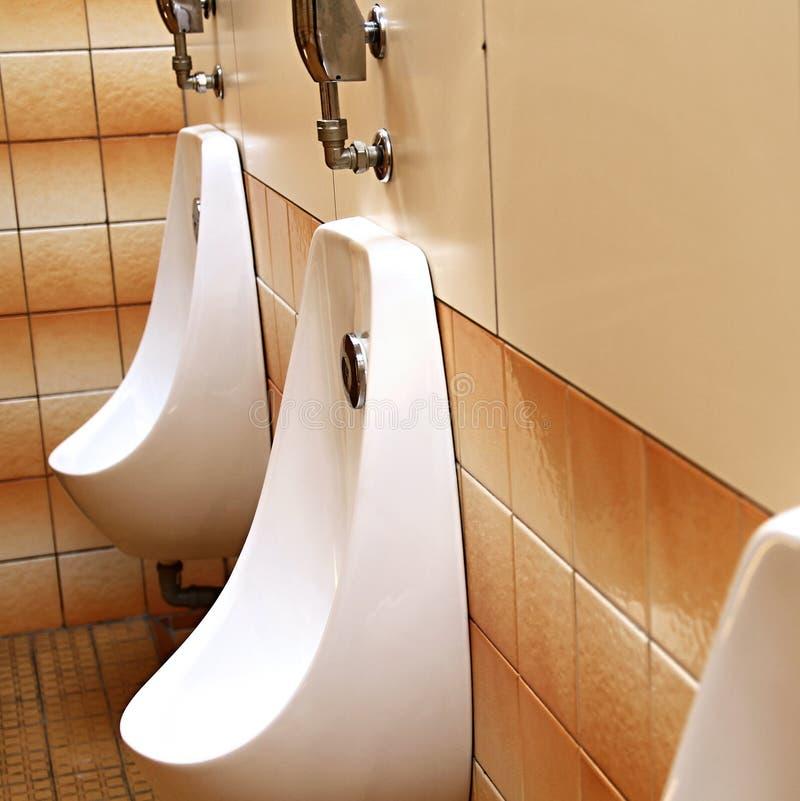 Зона wc публики внутренняя для публики стоковые изображения rf