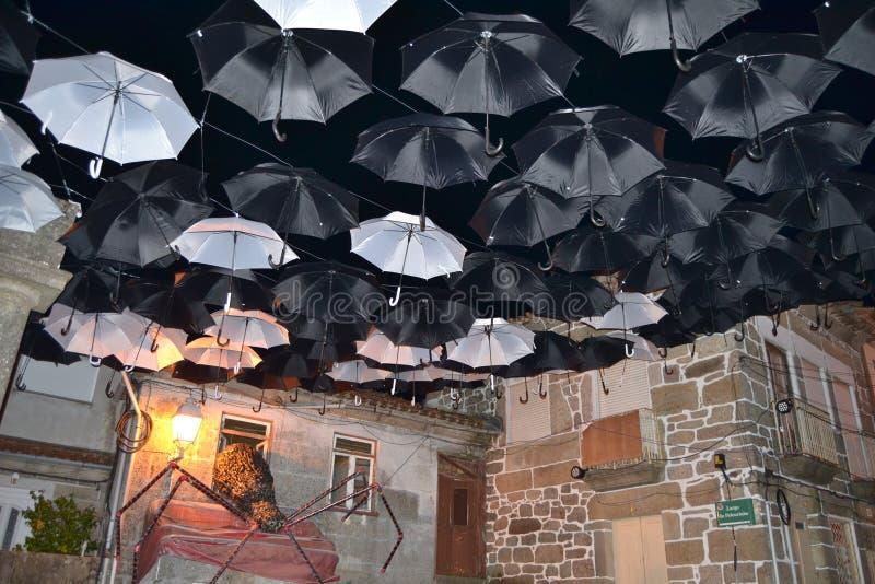 Зонтики ночи стоковые изображения