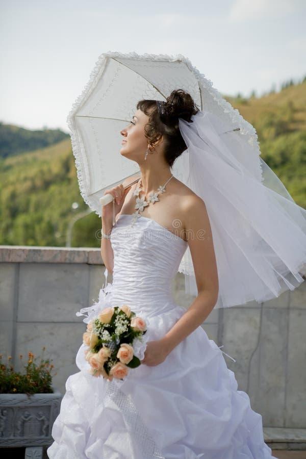 зонтик невесты стоковое фото rf