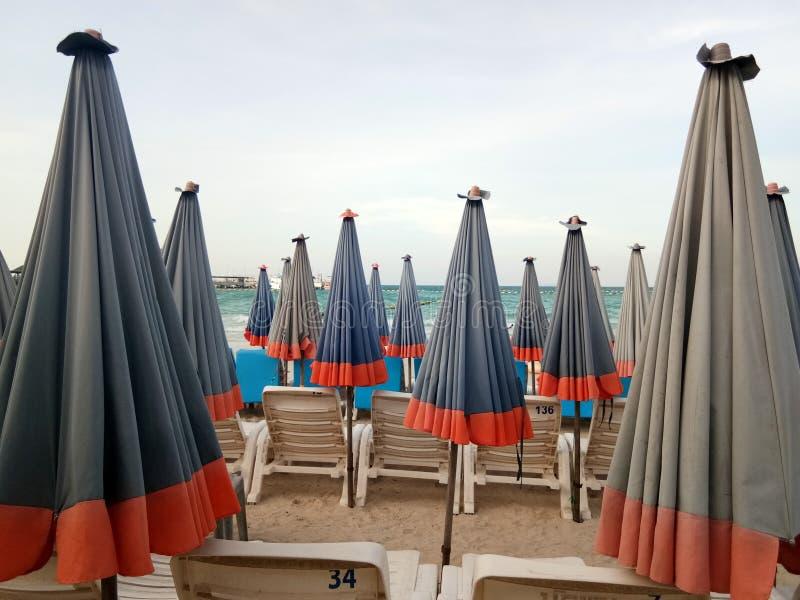 зонтик пляжа стоковые изображения